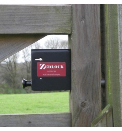 Wooden Secure Gate Zedlock